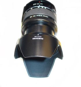 Samsung NX 18-55mm 3.5-5.6 OIS (EX-S1855SB) -- http://bepixelung.org/14599