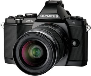 Olympus OM-D E-M5 (EVIL) black with lens M.Zuiko digital ED 12-50mm (V204045BE000)