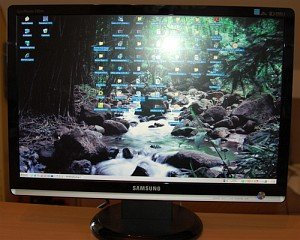 "Samsung SyncMaster 226BW, 22"" (LS22MEWSFV/LS22MEHSFV) -- provided by bepixelung.org - see http://www.bepixelung.org/657 for copyright and usage information"