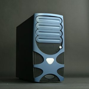 Chenbro PC61166 Gaming System Blue (without power supply) -- © CWsoft