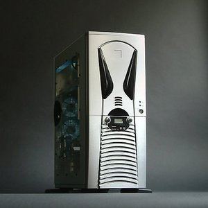 X-Alien AL888 Midi-Tower with door and USB/FireWire front, silver (500W AC adapter) -- © CWsoft
