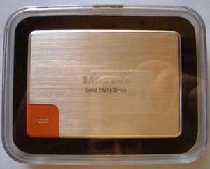 Samsung SSD 470 128GB, SATA, retail (MZ5PA128HMCD-0A) -- http://bepixelung.org/12861