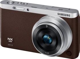 Samsung NX mini braun mit Objektiv NX-M 9mm ED und NX-M 9-27mm ED OIS