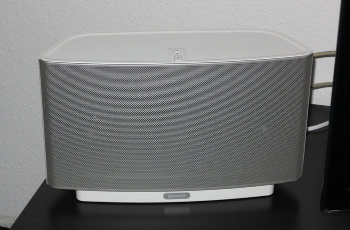 Sonos Play:5 white -- provided by bepixelung.org - see http://bepixelung.org/21969 for copyright and usage information