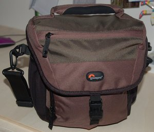 Lowepro Nova 170 AW shoulder bag brown (LP35254) -- http://bepixelung.org/8456