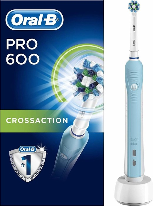 Oral-B PRO 600 Cross Action light blue