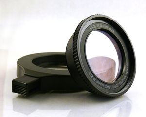 Raynox DCR-250 Super macro lens -- http://bepixelung.org/14448