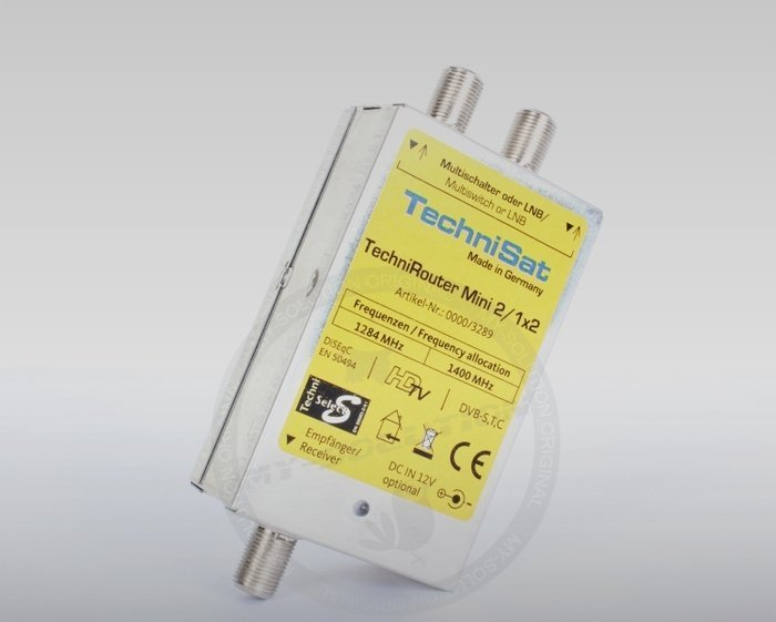 TechniSat TechniRouter Mini 2/1x2 (0000/3289) -- © My-Solution.de