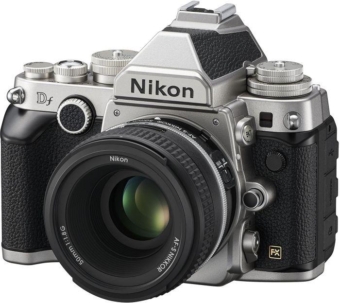 Nikon Df silber mit Objektiv 50mm 1.8G SE (VBA381K001)