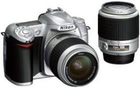 Nikon D50 silber mit Objektiv AF-S DX 18-55mm und AF-S DX 55-200mm (VBA121S2/VBA121K002)