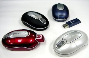 BenQ M310 RF Mini Optical Mouse rot, PS/2 & USB (99.Q4488.U40)