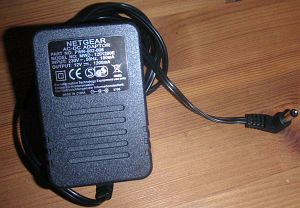 Netgear PWR-002-006 zasilacz (EN108GE/EN108TPGE/EN116GE/FE104GE/FE108GE) -- provided by bepixelung.org - see http://bepixelung.org/4899 for copyright and usage information