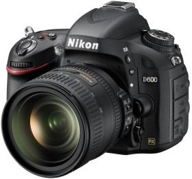 Nikon D600 schwarz mit Objektiv Fremdhersteller