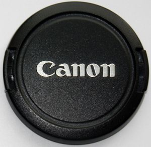 Canon E-58 lens cover 58mm (2725A001) -- provided by bepixelung.org - see http://bepixelung.org/4860 for copyright and usage information
