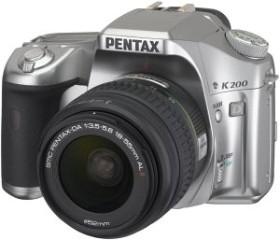 Pentax K200D silber mit Objektiv DA 18-55mm (1955103)
