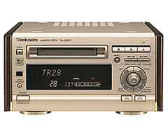 Technics SJ-HD501 (MiniDisc-Player) -- File written by Adobe Photoshop¨ 4.0