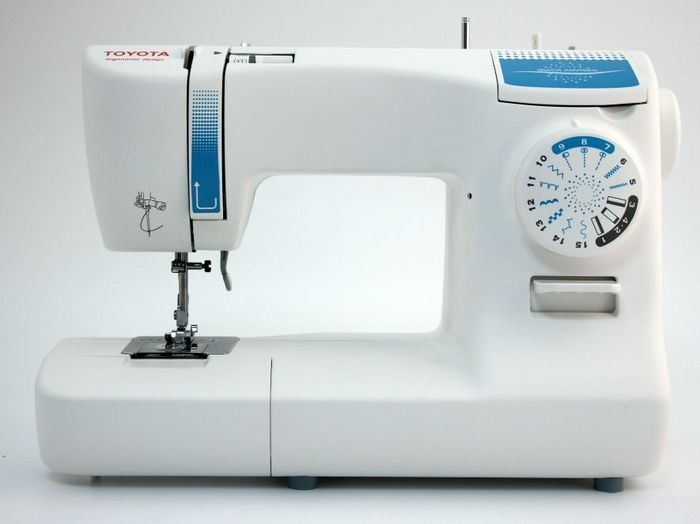 Toyota SPB15 Sewing Machine