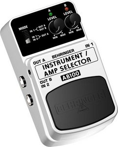 Behringer AB100 2-Mode Amp Selector foot switch -- © Copyright 200x, Behringer International GmbH