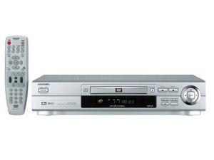 Aiwa XD-DV480 silber