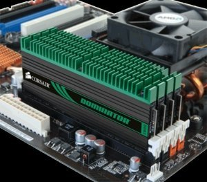 Corsair XMS3 Dominator DIMM kit 8GB, DDR3-1333, CL7-7-7-20 (CMD8GX3M4A1333C7)