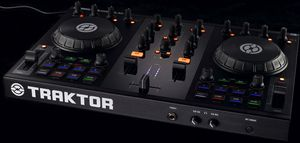 Native Instruments Traktor Kontrol S2 DJ software controller, USB 2.0