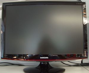 """Samsung SyncMaster T240HD, 24"""" (LS24TDDSUVEN) -- © bepixelung.org"""