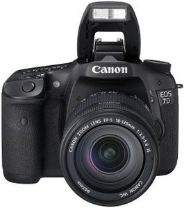 Canon EOS 7D with lens EF-S 18-135mm 3.5-5.6 IS (3814B035)