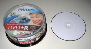 graphic regarding Printable Dvd Rohlinge named Philips DVD+R 8.5GB DL 8x, 25-pack Spindle printable versus £ 15.99