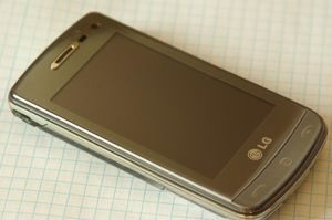 LG Electronics GD900 -- ©TarifAgent.com