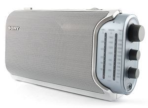 Sony ICF-704 silber -- http://bepixelung.org/20356