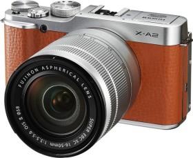 Fujifilm X-A2 braun mit Objektiv XC 16-50mm 3.5-5.6 OIS II