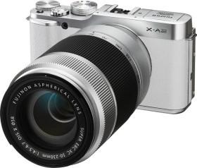 Fujifilm X-A2 weiß mit Objektiv XC 16-50mm OIS II und XC 50-230mm OIS II