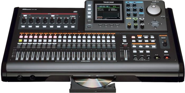 Tascam DP-32 digital 32 track-Portastudio