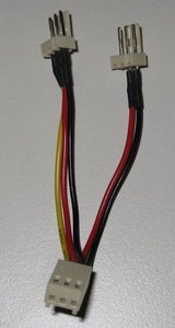 Diverse Molex 3pin Y-Kabel -- provided by bepixelung.org - see http://bepixelung.org/9824 for copyright and usage information