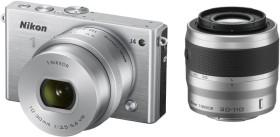 Nikon 1 J4 silber mit Objektiv VR 10-30mm 3.5-5.6 PD-Zoom und VR 30-110mm 3.8-5.6