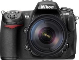 Nikon D300 schwarz mit Objektiv AF-S VR 18-200mm 3.5-5.6G IF-ED (VBA200K002)