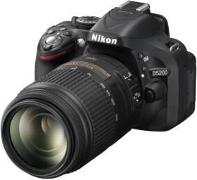 Nikon D5200 schwarz mit Objektiv AF-S VR DX 18-55mm II und AF-S VR DX 55-300mm (VBA350K010)