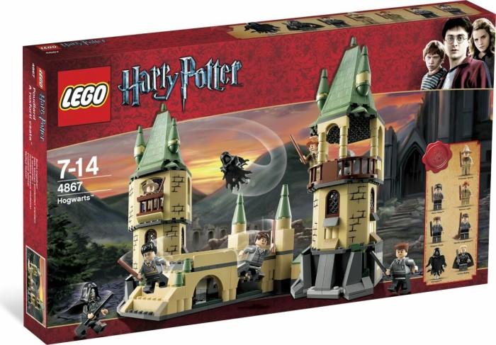 LEGO Harry Potter - Hogwarts (4867) -- via Amazon Partnerprogramm