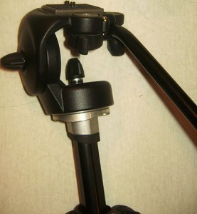 Manfrotto 128RC Micro fluid Video tripod head -- provided by bepixelung.org - see http://bepixelung.org/2657 for copyright and usage