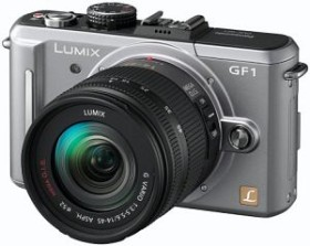 Panasonic Lumix DMC-GF1 silber mit Objektiv Lumix G Vario 14-45mm 3.5-5.6 OIS (DMC-GF1K)