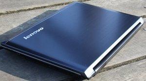 Lenovo IdeaPad V560, Core i3-380M, 2GB RAM, 500GB HDD, UK (M499RUK) -- © notebookcheck.com