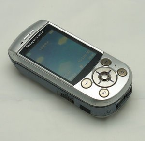 O2 Sony Ericsson S700 (various contracts) -- © bepixelung.org