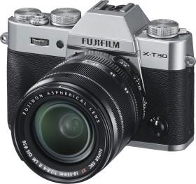 Fujifilm X-T30 silber mit Objektiv XF 18-55mm 2.8-4.0 R LM OIS