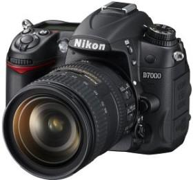 Nikon D7000 schwarz mit Objektiv AF-S VR DX 16-85mm 3.5-5.6G ED (VBA290K003)